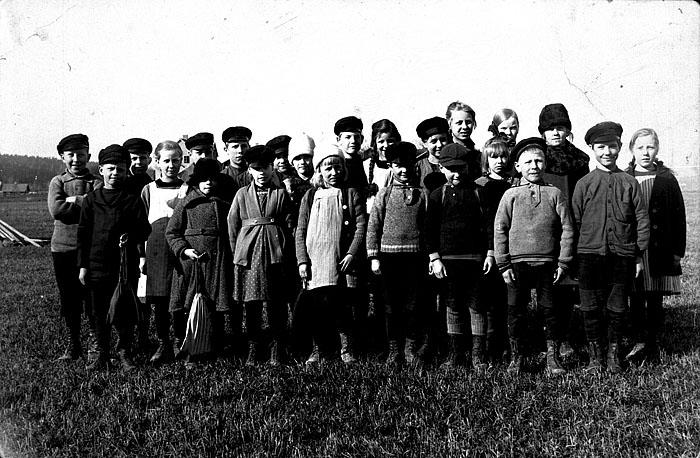 Bya skola 1924