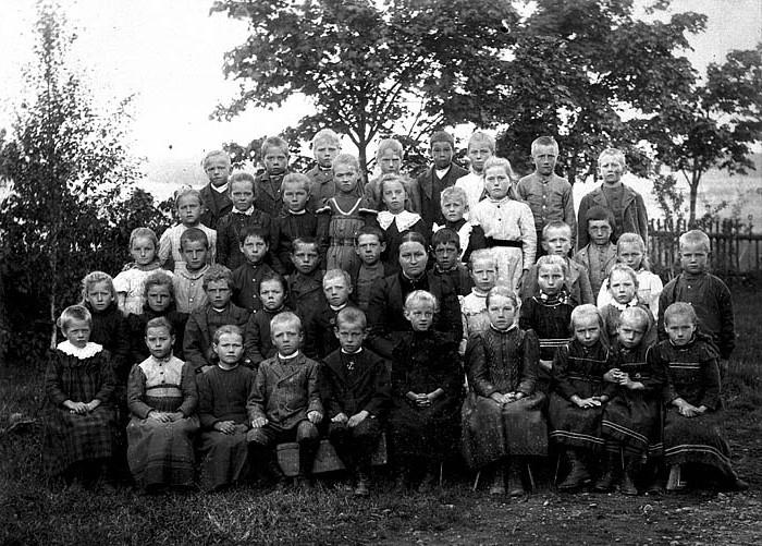 Bya skola 1900