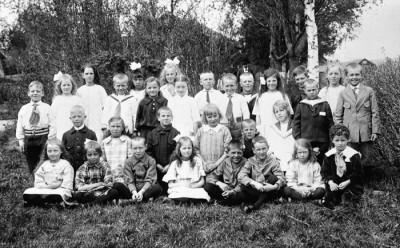 År 1924, examen i småskolan
