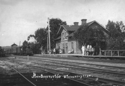 Järnvägsstationen av äldre datum