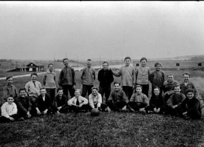 Fotbollsungdomar från Jälkarbyn och bruket