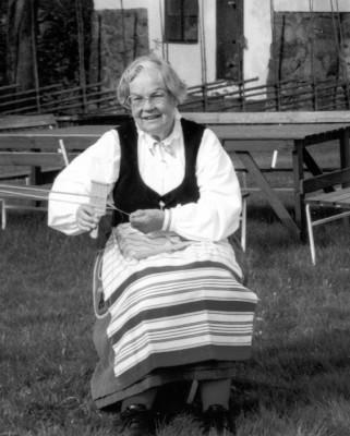Margit Börjegren - en av initiativtagarna till den vackra bruksdräkten