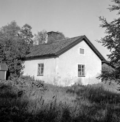 Den gamla tvätt- & bagarstugan invid Sågdammen var tyngdlyftarnas lokal en gång i tiden