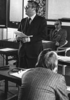 Den senare blivande finansministern Kjell-Olof Feldt deltog i en konferens på Hedemora Stadshotell med landshövdingen Bengt Olsson som mötesordförande