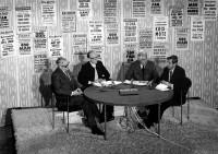 Programledare Bo Isaksson med panelen Nils G. Åsling, Hans Hagnell, Erik Sundblad