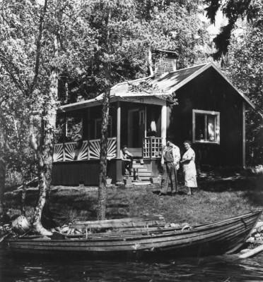 Strandhugg hos makarna Elsa och Georg Persson