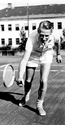 Nils Bjernevi, tennisspelaren
