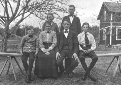 Familjen Frida & Rickard Sundström