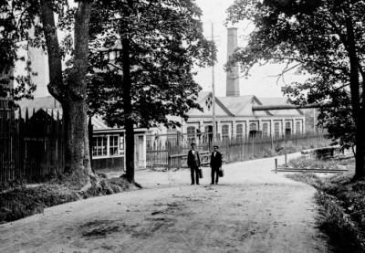 Alfred Hedström och Helmer Svensson på väg till jobbet