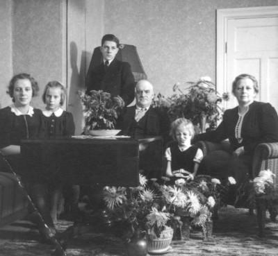 Helga Johansson med familjen