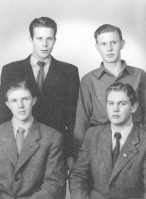 Bilden visar de fyra brukspojkarna, Lars-Olov Norström, Börje Karlsson, Sune Bergman och Yngve Larsson.