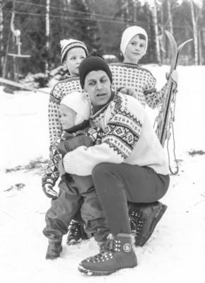 Pappa och döttrarna Bergman