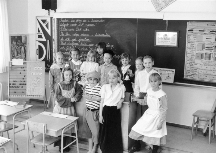 Elever vid svarta tavlan