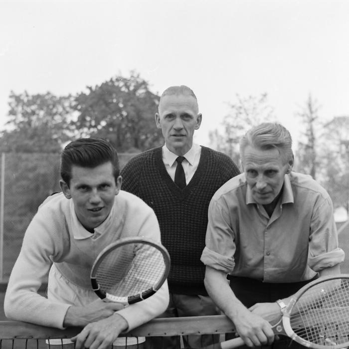 VIK-mästare 1963 i dubbel: Nils Bjernevi & Sven Alexandersson. Tävlingsledare: Rune Persson