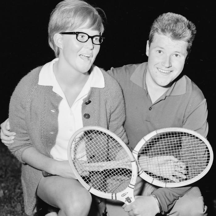 Margareta Pettersson & Bo Karlsson, intresserade tennisungdomar inom VIK.
