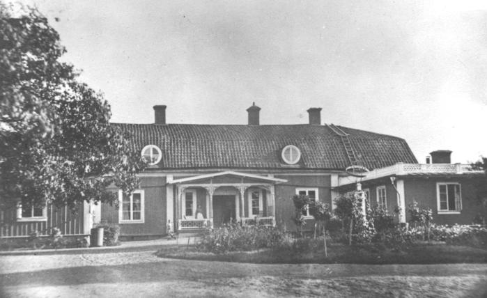 Herrgården från framsidan